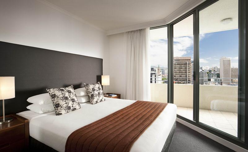 sebel suites brisbane guestroom