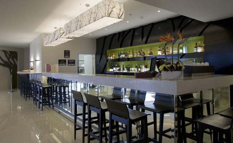 sudima hotel bar
