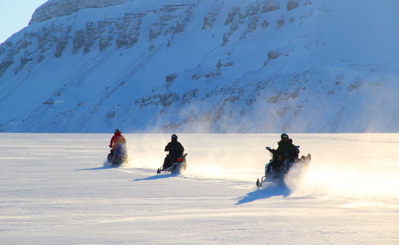 svalbard spitsbergen exploring by snowmobile