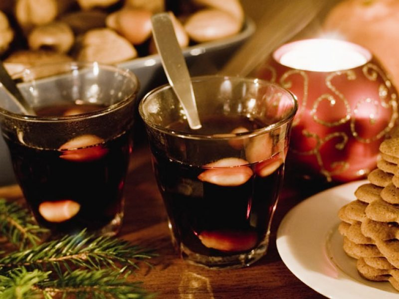 sweden food glogg and gingerbread vs
