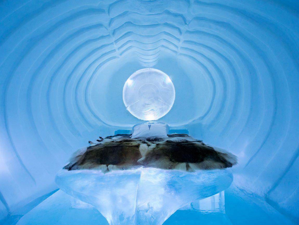 sweden lapland icehotel23 art suite blue marine