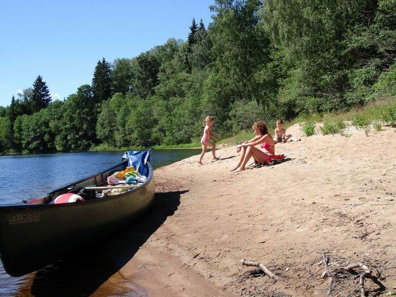 sweden varmland family canoe trip wtrwld