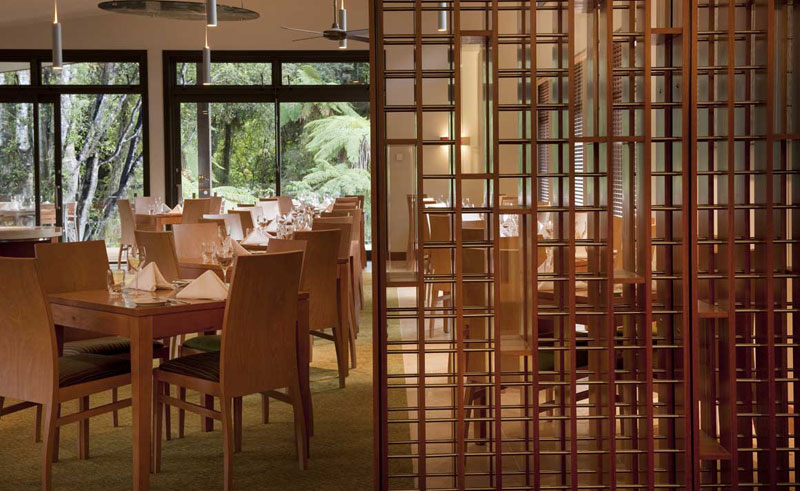 te waonui forest retreat dining
