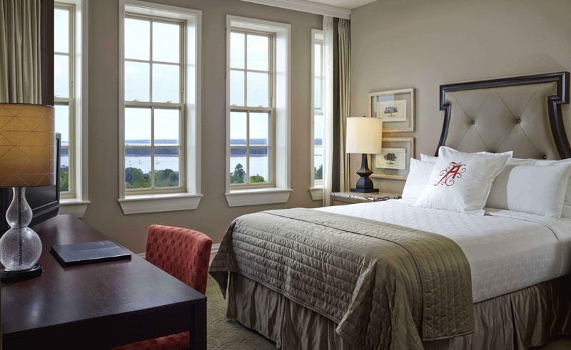 the algonquin resort guestroom