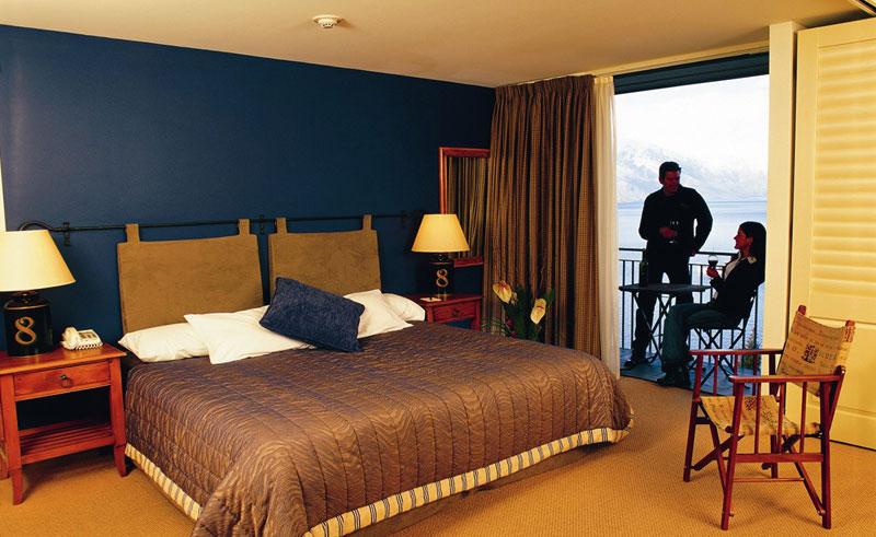 the heritage queenstown guestroom