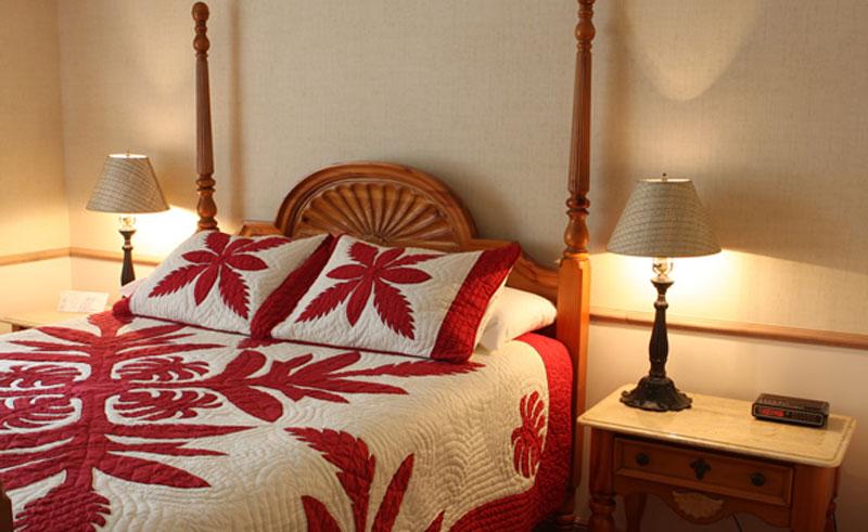 the plantation inn bedroom