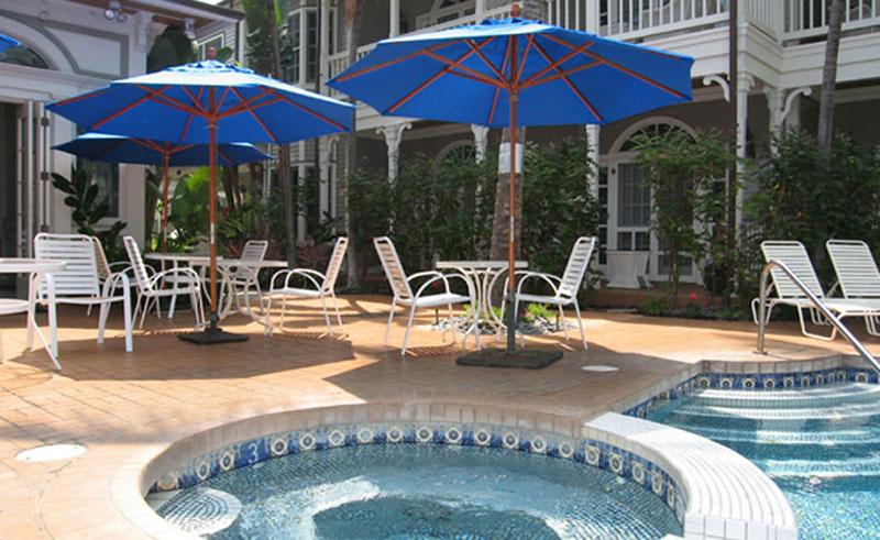 the plantation inn spa pool