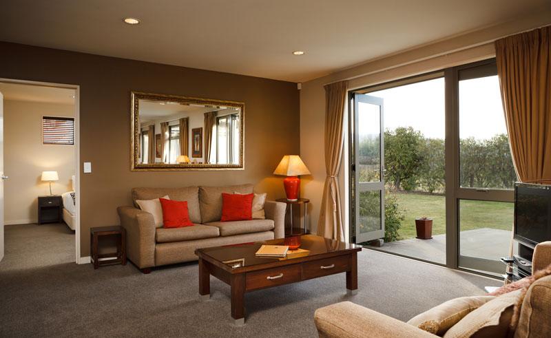 vintners retreat living room