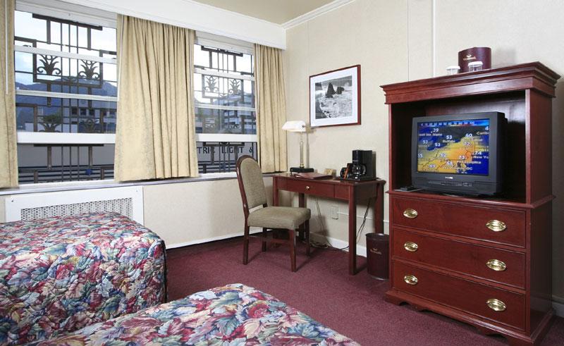 westmark baranof guestroom