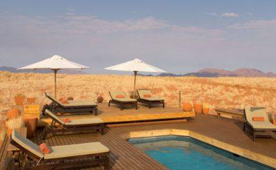wolwedans dune lodge pool side