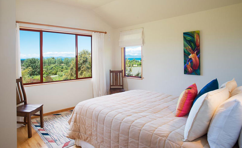 abel tasman ocean view chalets bedroom