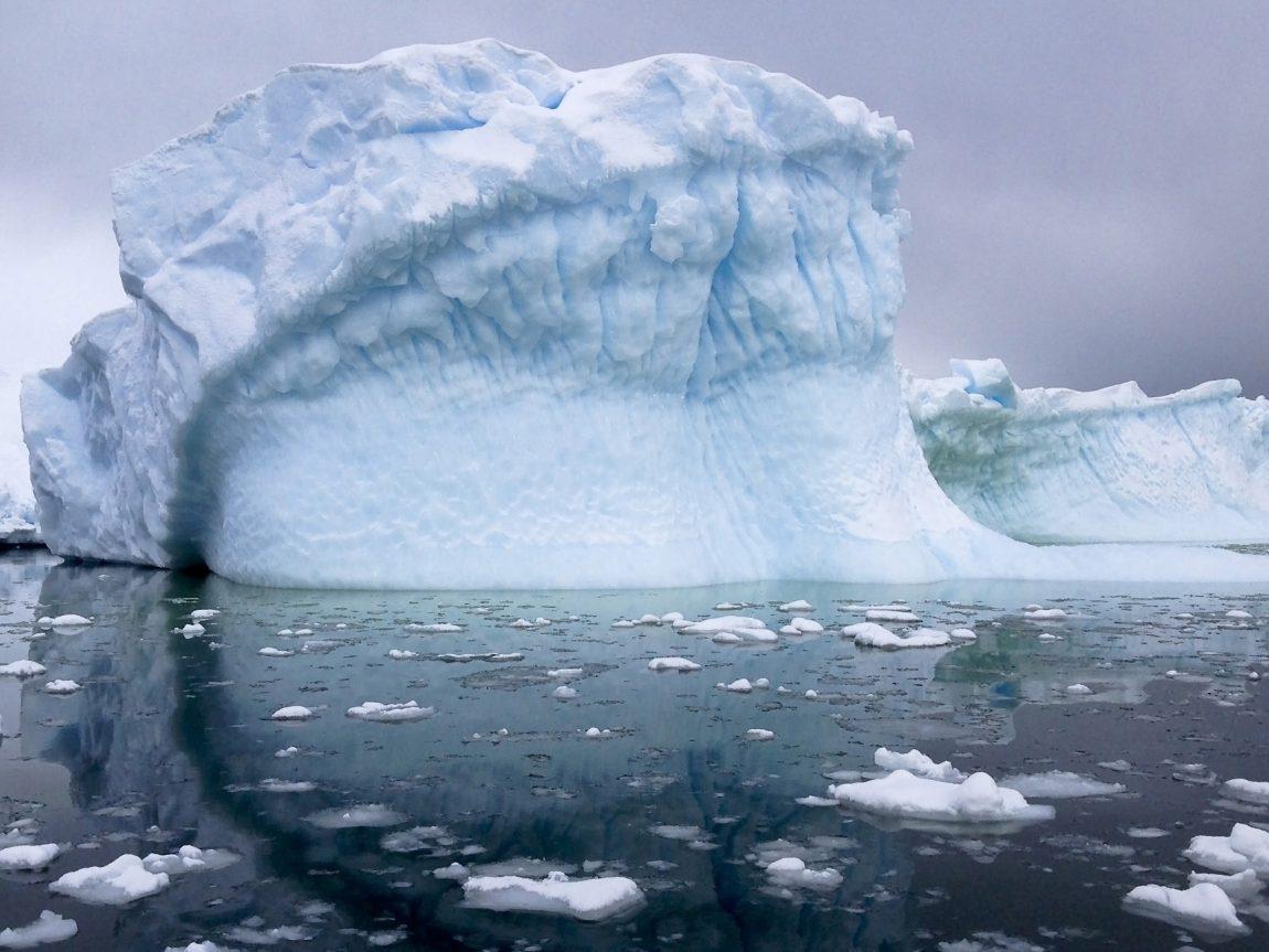 antarctic peninsula icebergs istk