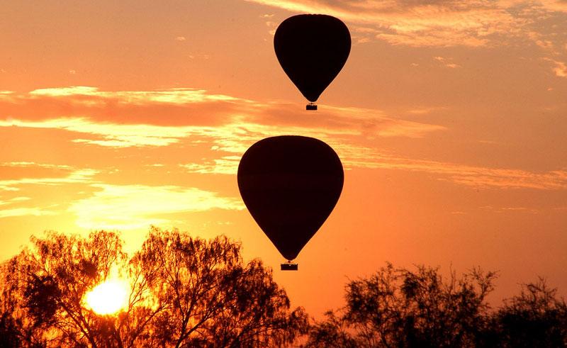 australia alice springs ballooning2
