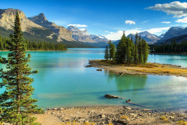 canada alberta jasper maligne lake spirit island istk