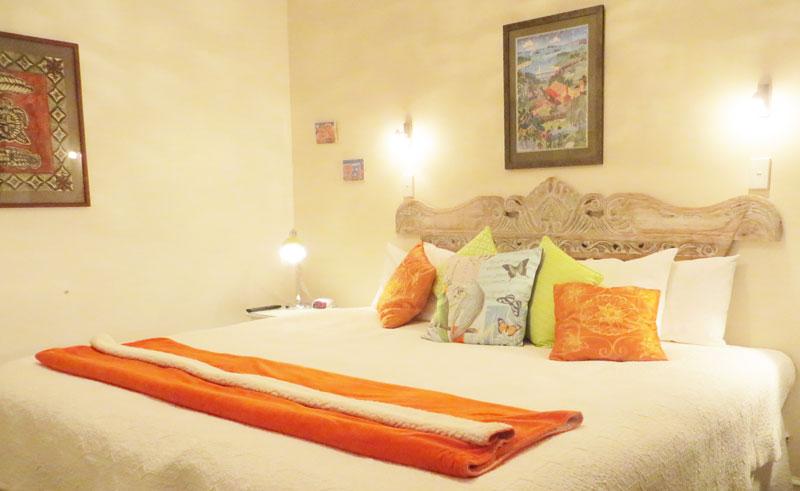 cotswold cottage bedroom2