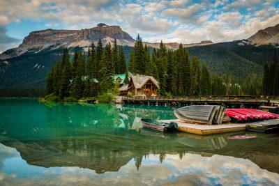 emerald lake lodge yoho exterior