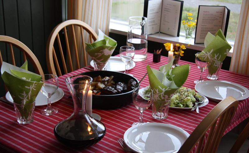 hotel laugarholl dining