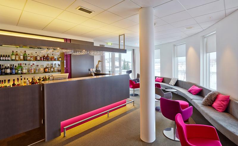 icelandair hotel herad bar