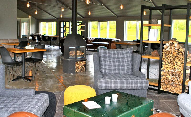 litli geysir hotel lounge area
