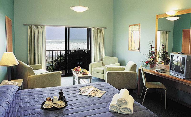 punakaiki resort bedroom