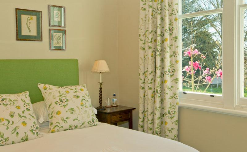 the manse garden bedroom