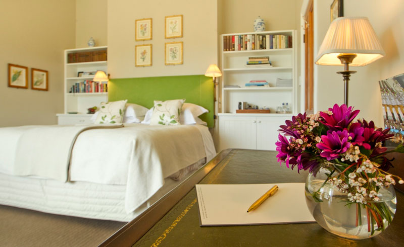 the manse river bedroom