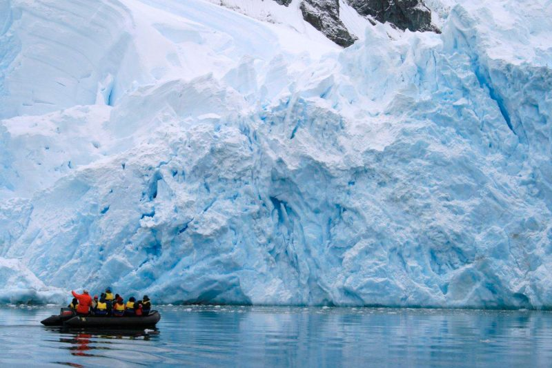 antarctica peninsula zodiac at ice front sueadams aurexped