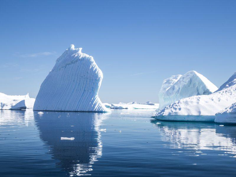 antarctica pleneau bay icebergs istk