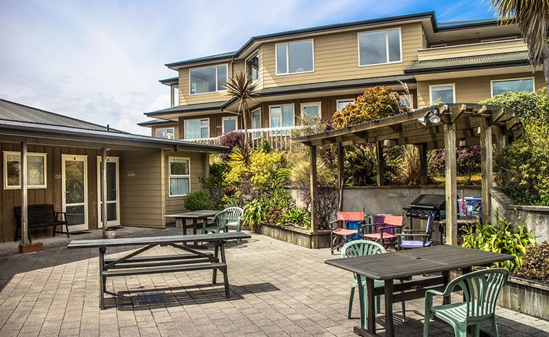 bay motel stewart island patio