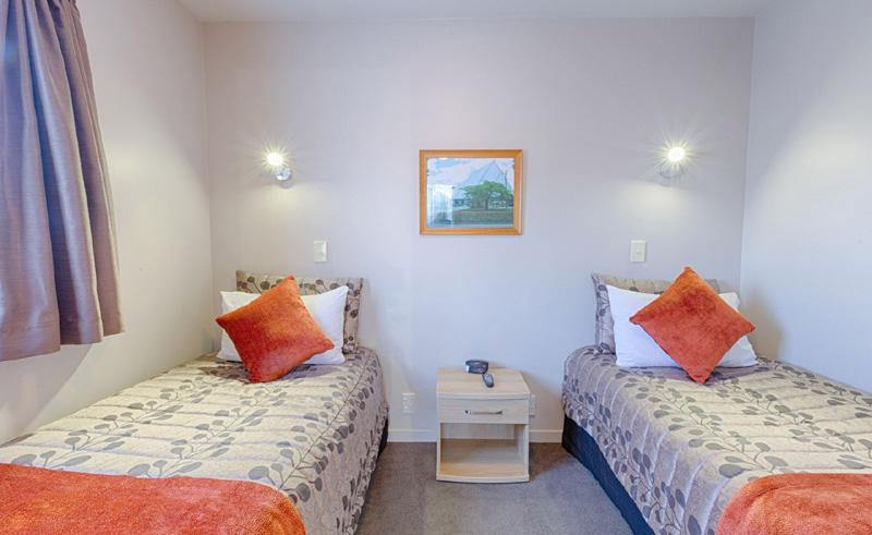 bella vista motel invercargill bedroom in family unit