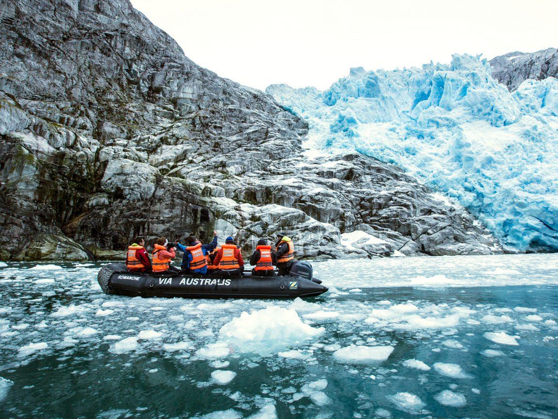 chile patagonia zodiac at piloto glacier aust