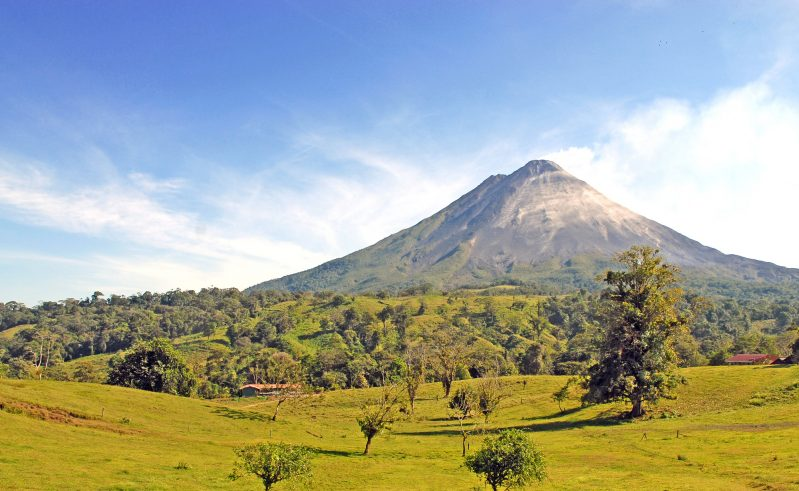costa rica arenal volcano view istk