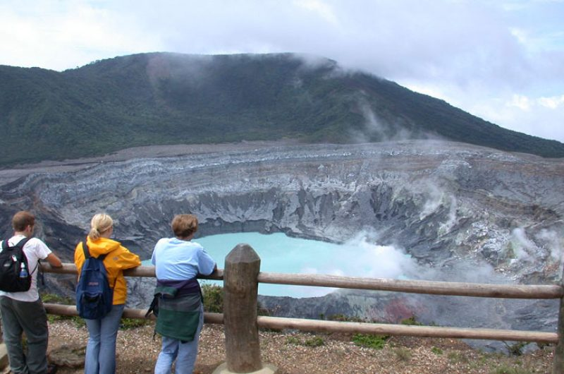 costa rica poas volcano