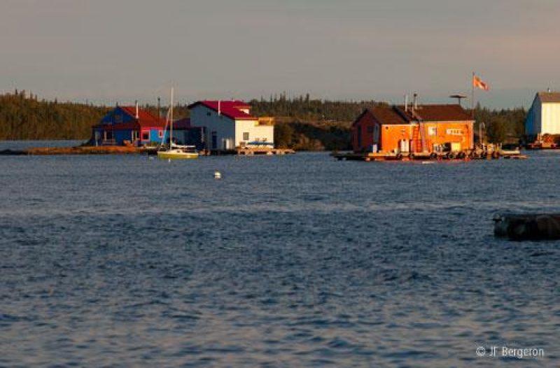 houseboats yellowknie