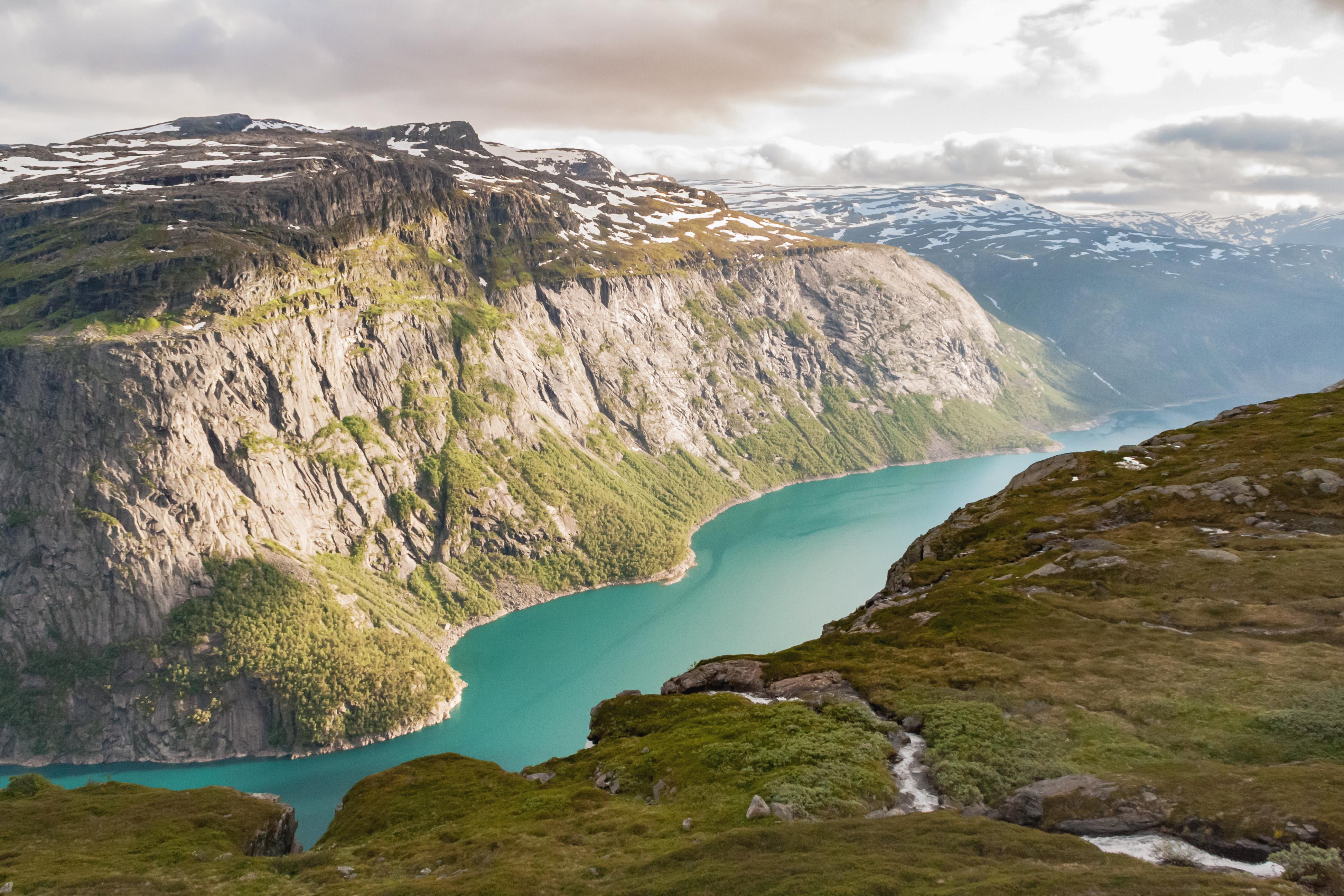 iStock 908589698 view hardangerfjord Annimei