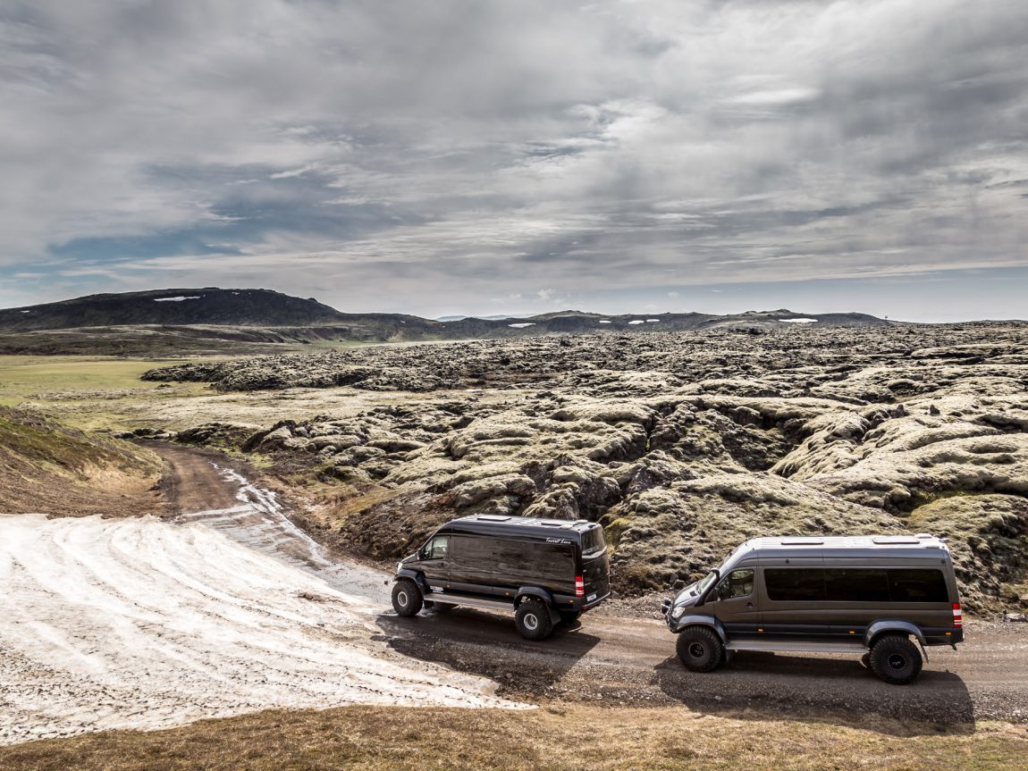 iceland exploring by luxury superjeep ggt