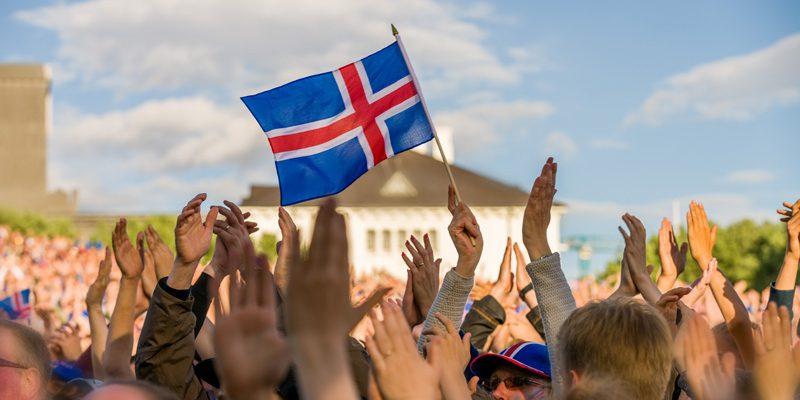 iceland flag waving