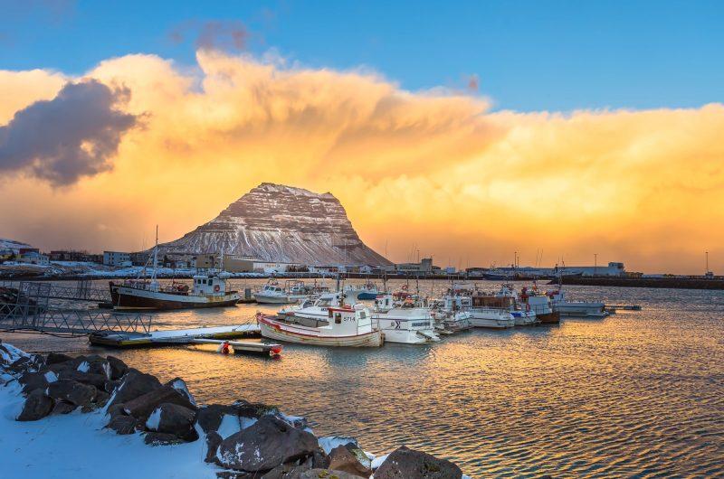 iceland snaefellsnes kirkjufell winter sunset clouds istk