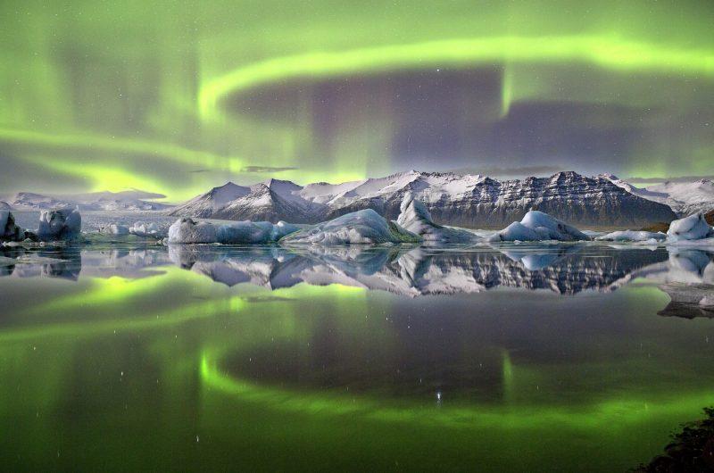 iceland south east aurora over jokulsarlon jw