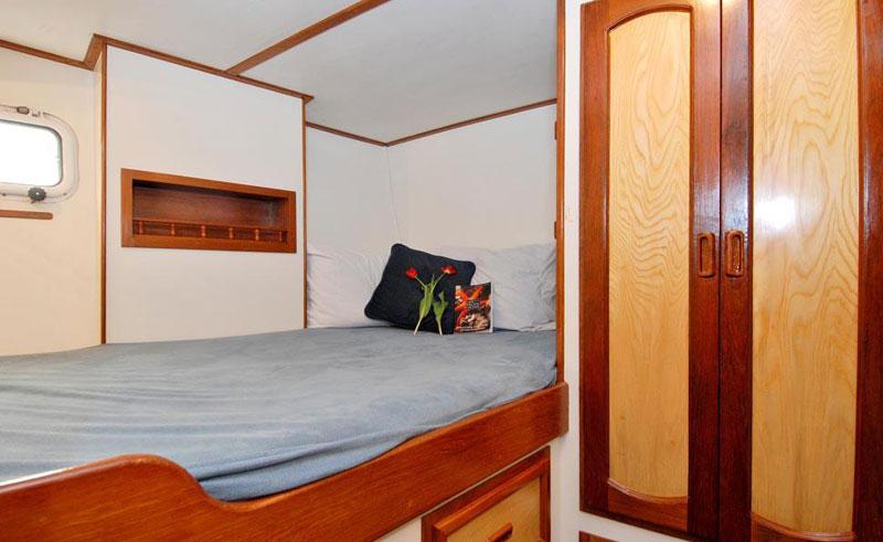 island roamer cabin1