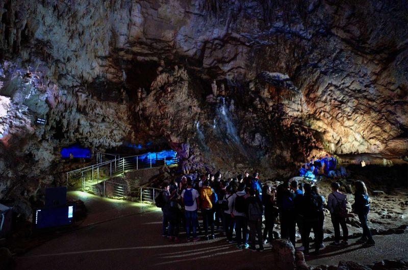 italy naples pertosa cave
