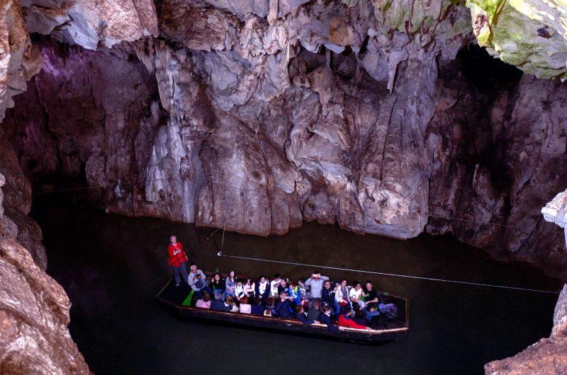 italy naples pertosa cave boat