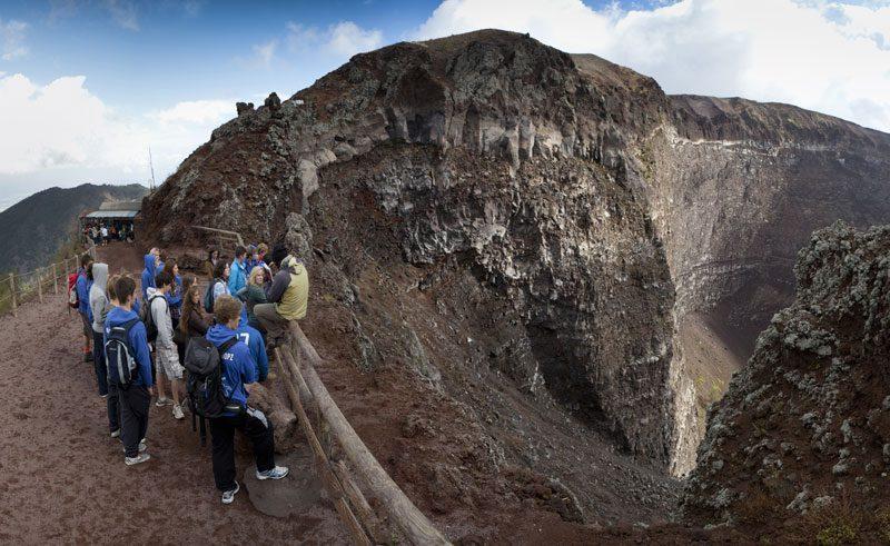 italy naples vesuvius crater rth