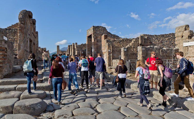 italy study visit to pompeii rth