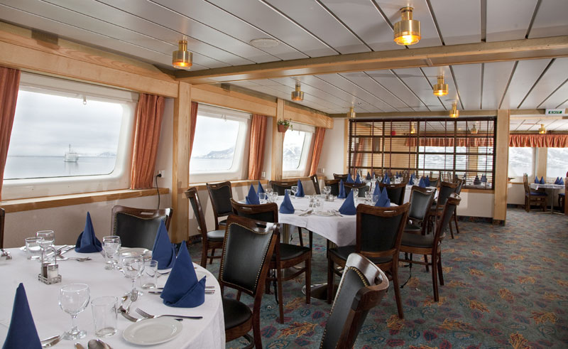 ms expedition polar dining