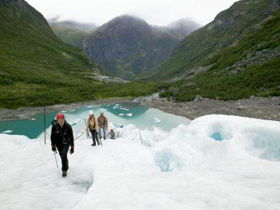 norway school trip glacier hike