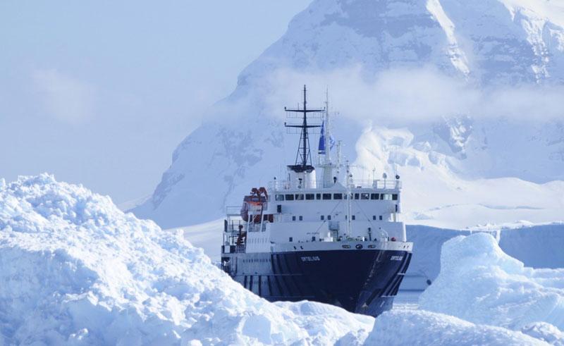 ortelius ship front view iceberg cruise