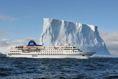 rcgs resolute cruising past iceberg oo
