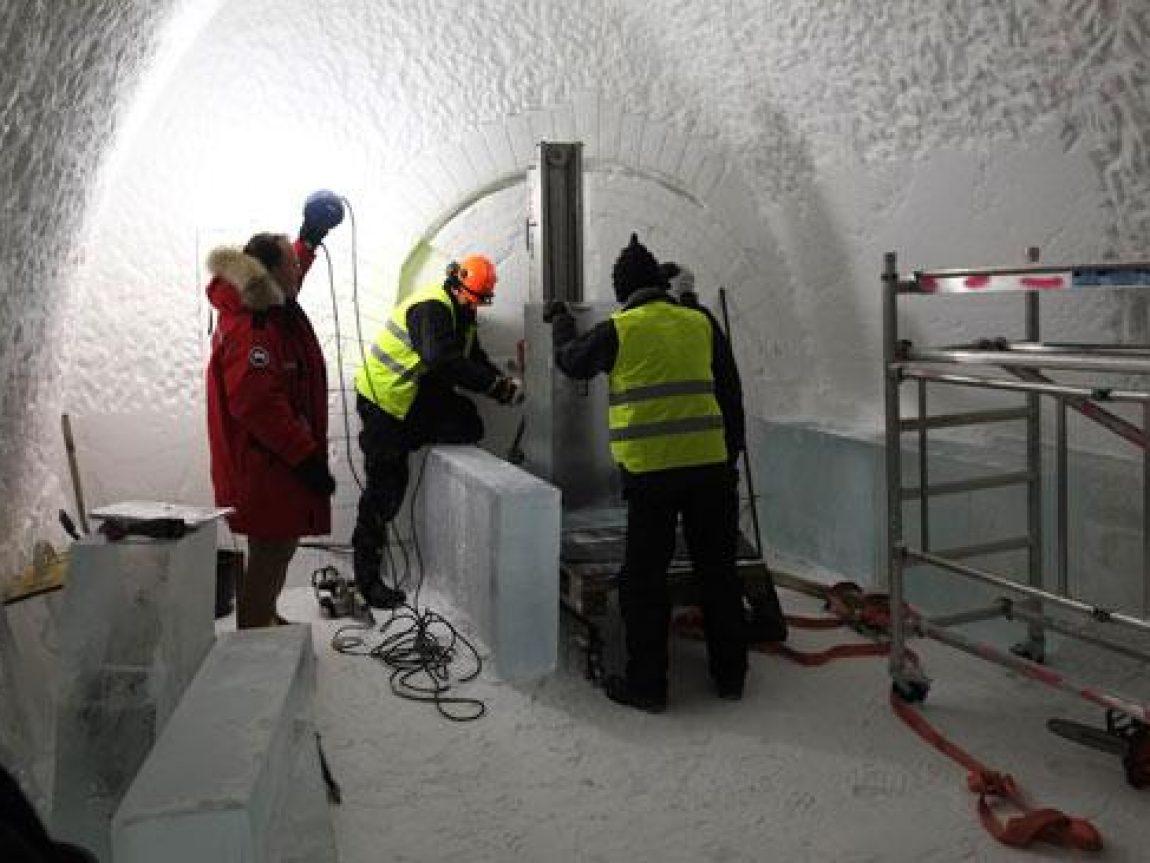 icehotel ice lift2