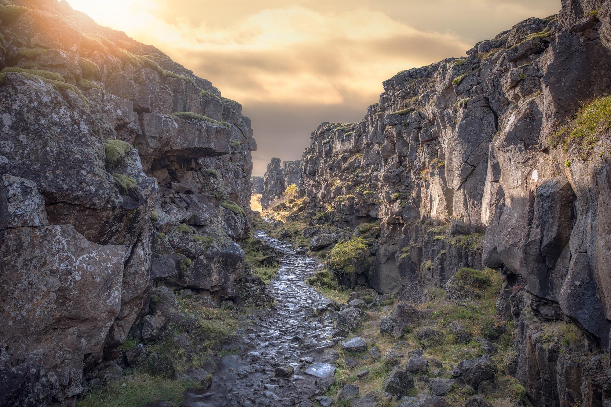 iceland south west thingvellir rift stone path istk